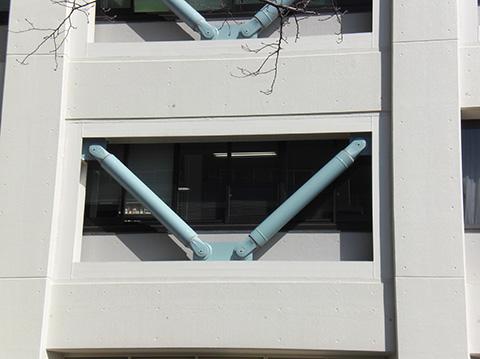 横浜合同庁舎制震デバイス