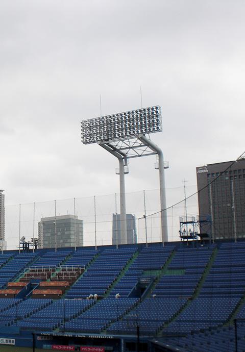 明治神宮野球場照明鉄塔