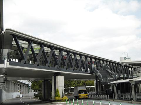 京都競馬場連絡ブリッジ